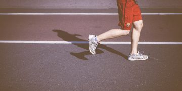 Why do tendon injuries take so long to heal?